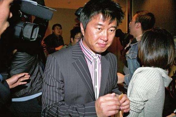 11年前,满文军为何狠心大义灭亲,亲手将妻子送进监狱?