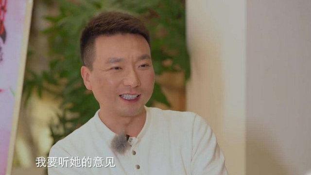 央视一哥康辉妻子曝光,22年丁克婚姻惹人羡慕: