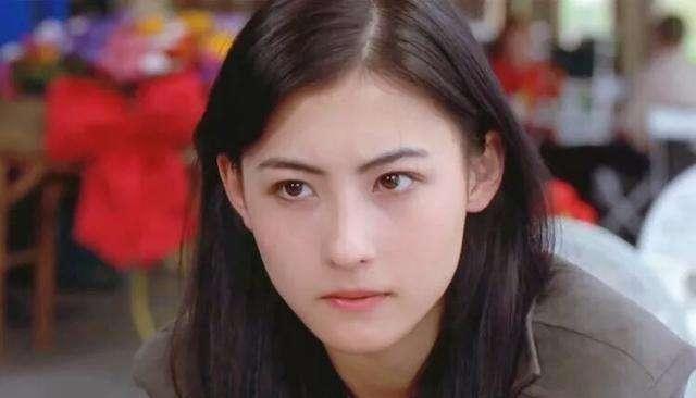 张柏芝为大子庆生,晒母子亲密合照,十三岁Lucas越长越帅