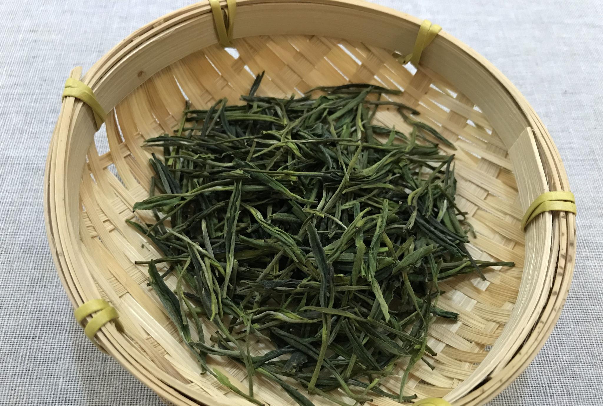 安吉白茶属于什么茶呢?绿茶还是白茶?它存满3年也是老白茶吗?