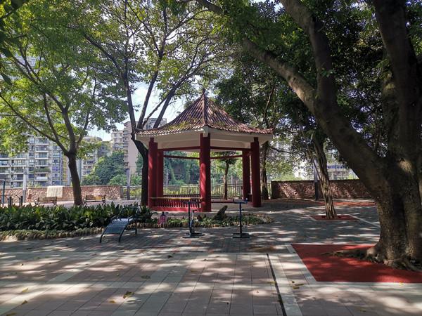 """危房不住 小区不""""老"""" 重庆城市更新让群众住得安心"""