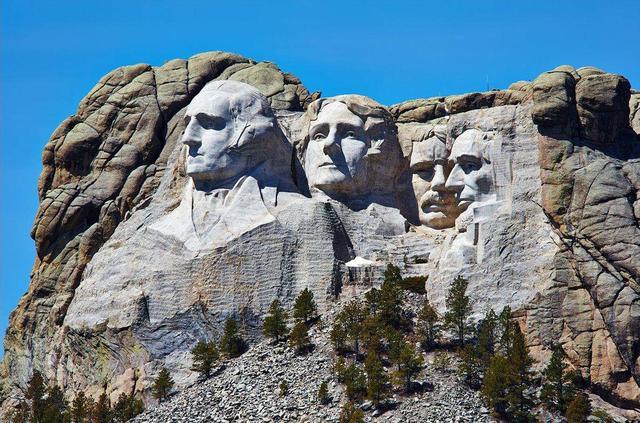 荣登美国总统山的,是美国历史上的哪些总统,他们有什么资格