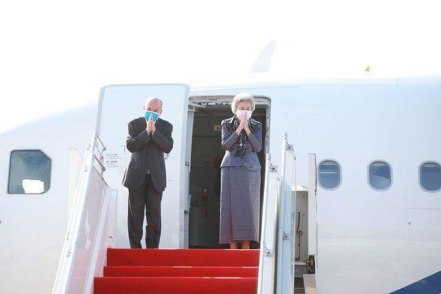 时隔4个月84岁柬埔寨太后出发再来中国!一身高级灰太美太优雅