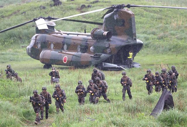 """日美法联合军演宣称""""牵制中国"""",华春莹:他们吓唬得了中国吗?"""
