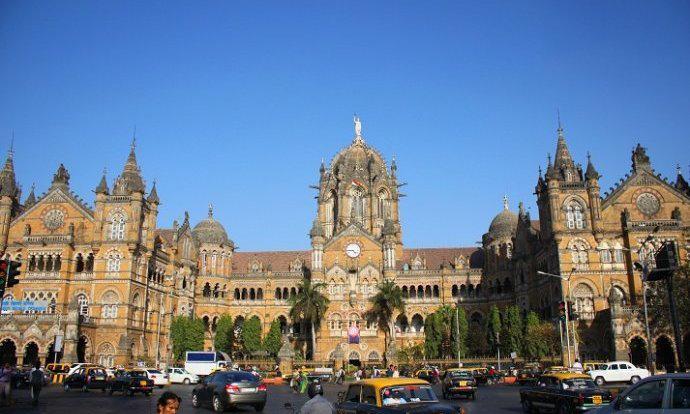 这栋集欧洲维多利亚、印度教和伊斯兰风格于一体的大气建筑