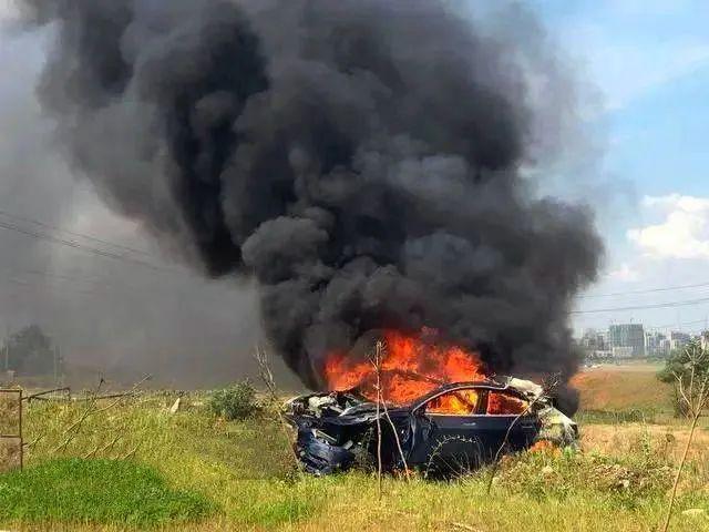 致多人死伤!特斯拉 or 女司机,谁的错?