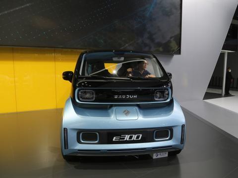 新宝骏E300,8万级别科幻座驾,车展实拍!