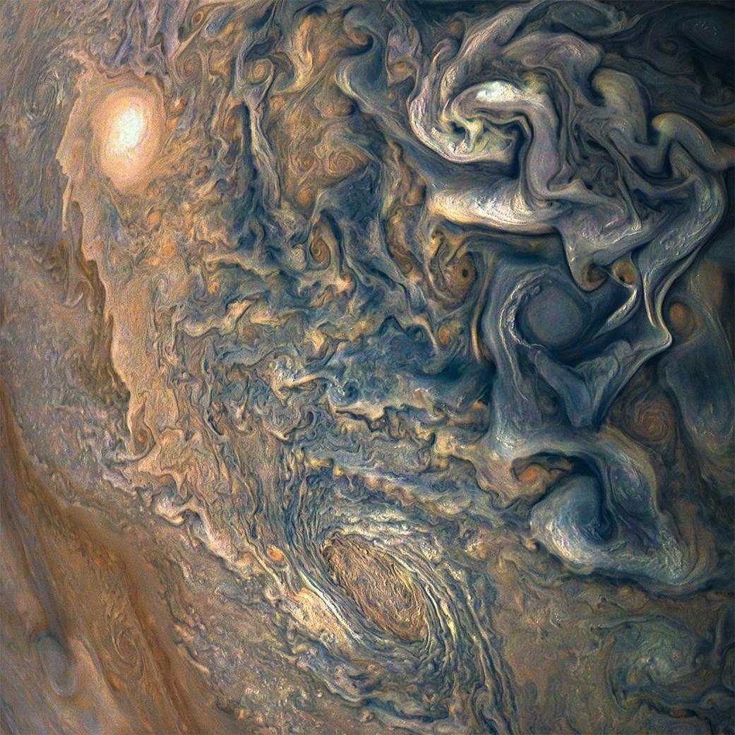 由朱诺号(Juno)宇宙飞船拍摄的木星照片美国国家航空航天局(NASA