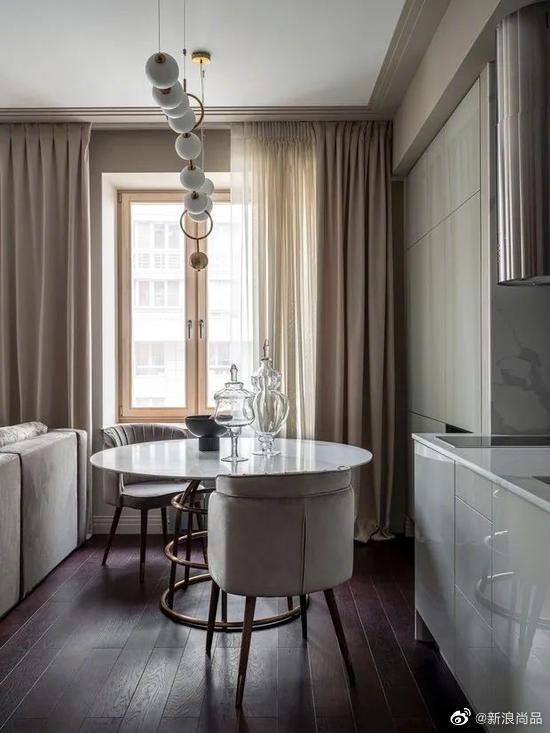 70㎡的公寓装成宽敞明亮的豪宅