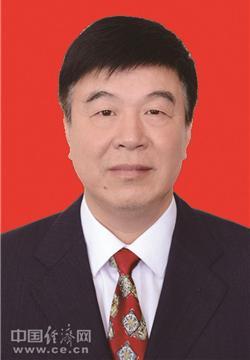孙晓南、薛峰、卜晓放当选镇江市人大常委会副主任 张伟清当选秘书长