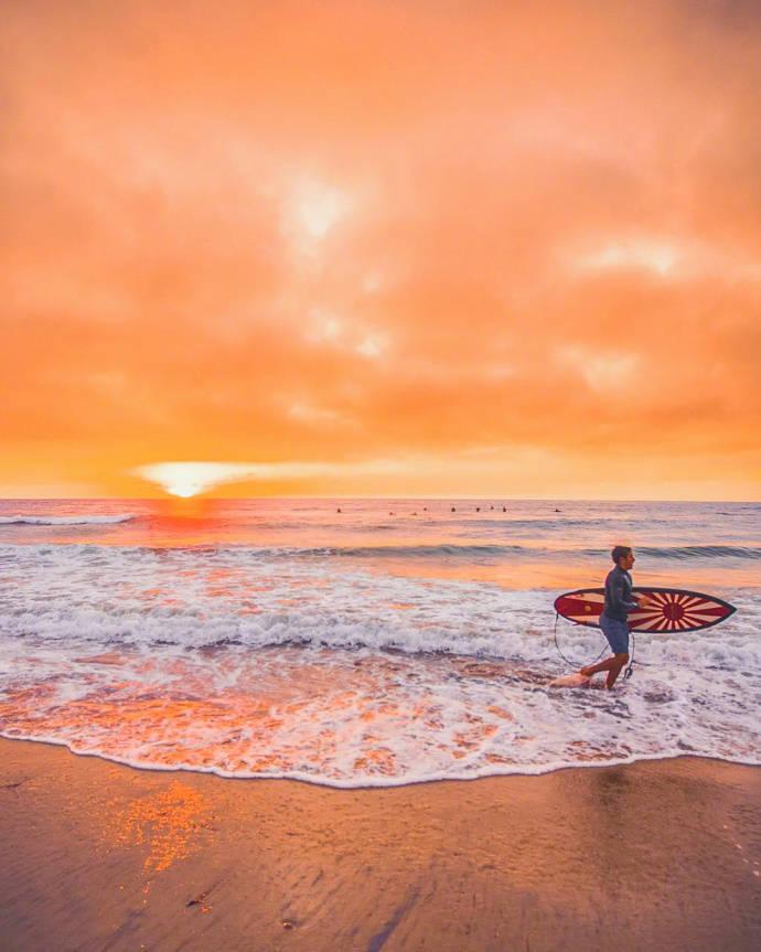 美国圣地亚哥橘色海滩,这个晚霞拍出了橙子汽水的味道!