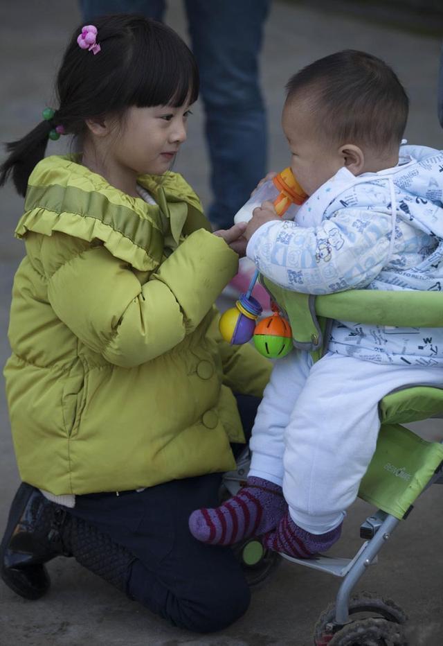 """新手妈妈最容易犯的4个育儿""""误区"""",早知道早防范,不走弯路"""