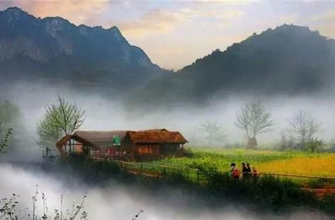 """云南""""半封闭""""的村庄,进出靠划船钻溶洞,现实版的桃花源"""