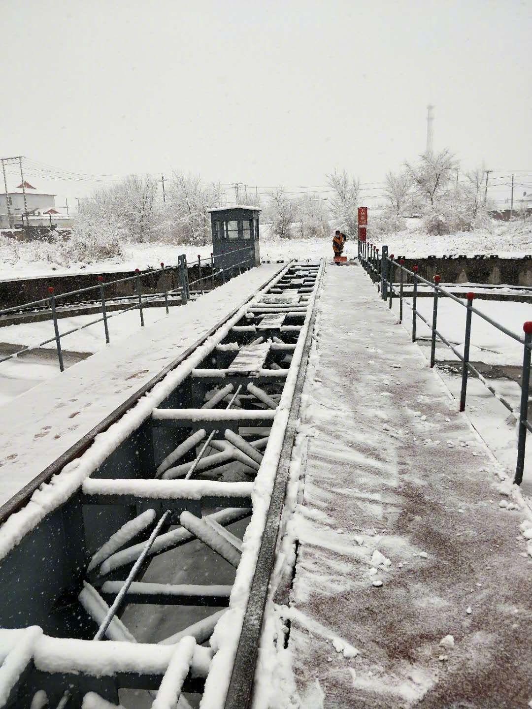 哈铁增加1.6万余个列车席位服务旅客雨雪天气出行