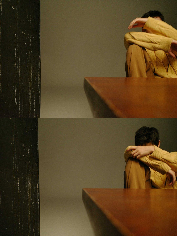 淡黄的毛衣是魔鬼吗?!不仅网友中毒,造型师也跟着上头了?不过