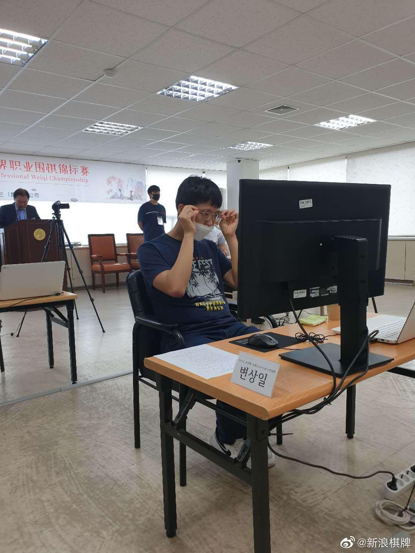 高清-春兰杯韩国棋手3胜3负 申真谞神情淡定