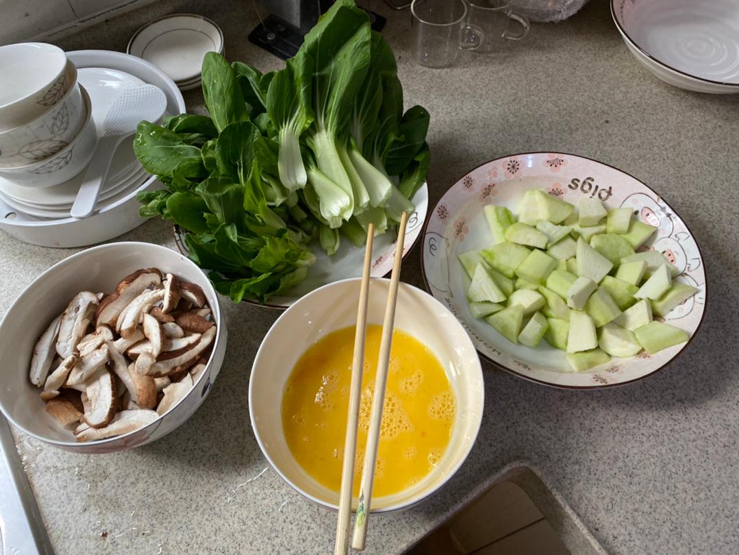 电竞厨房营业!丝瓜炒蛋,青菜炒花菇