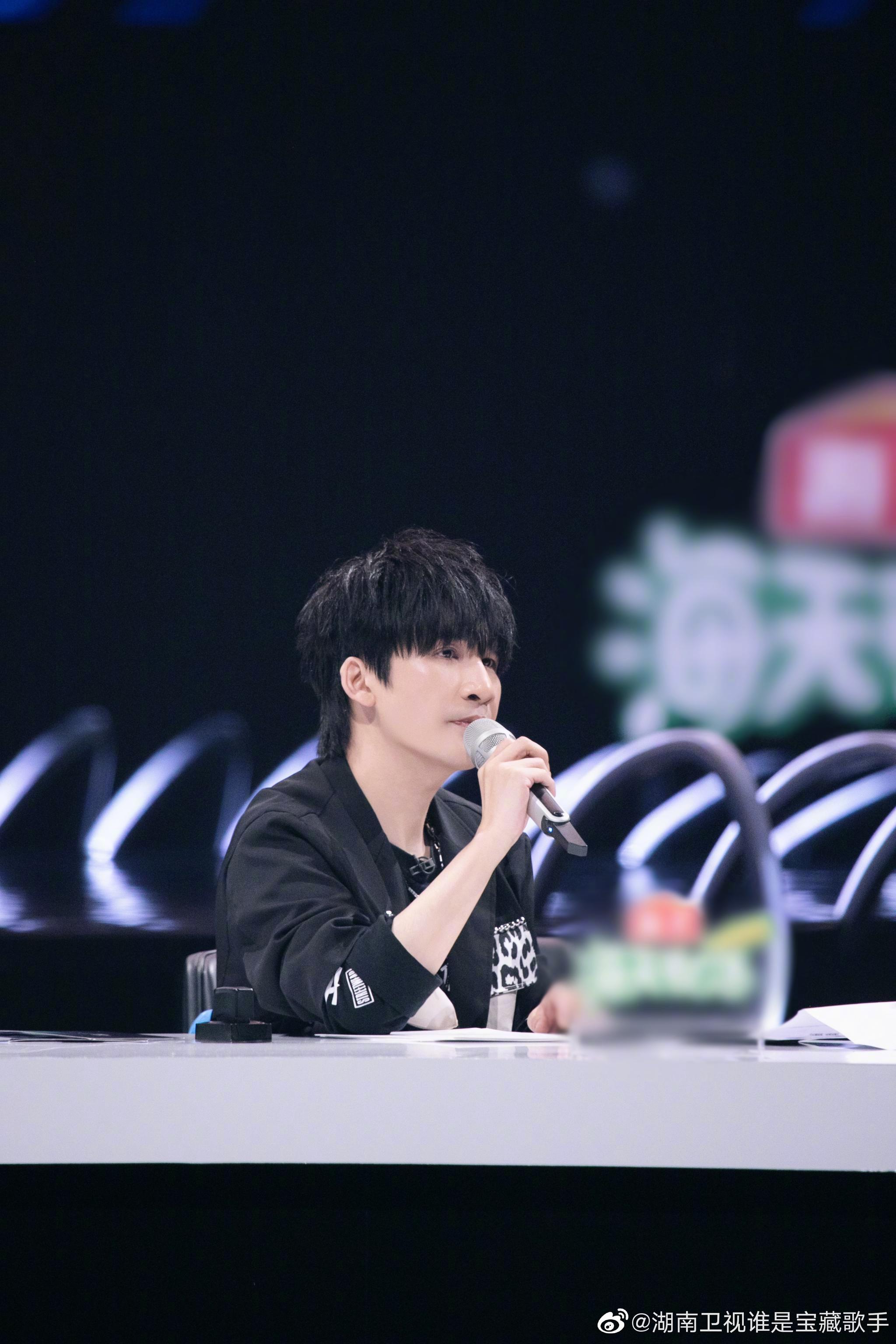 湖南卫视 谁是宝藏歌手 EP03剧照继续放送……