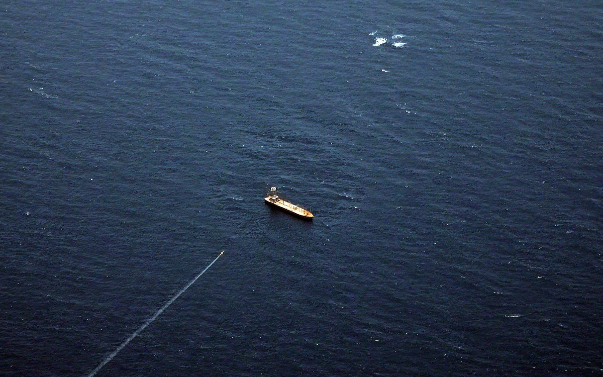 伊朗今天宣布其海军在阿拉伯海举行的演习中成功试射了一种新型国产反