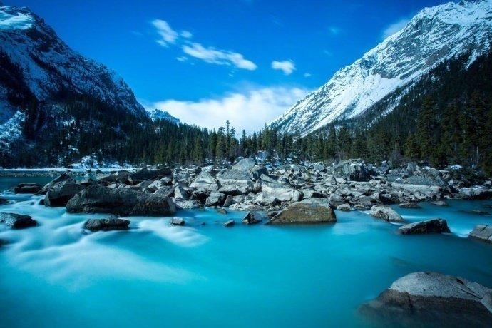 西藏然乌湖
