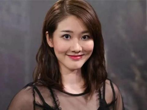 邓佩仪GloriaTang生日发文,做了七年配角,终于转正当上了女主角