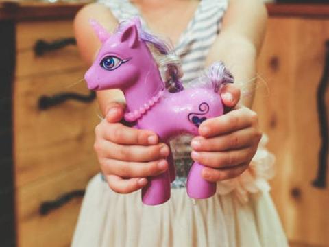 牛年女宝宝起名取名字:软糯可爱,乐观、活泼的女孩子名字