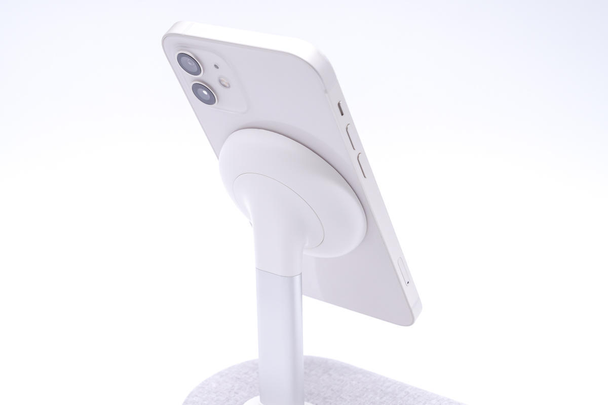 为iPhone 13而来,通用iPhone 12系列,测评MOMAX立式双项磁吸无线充 评测 第17张