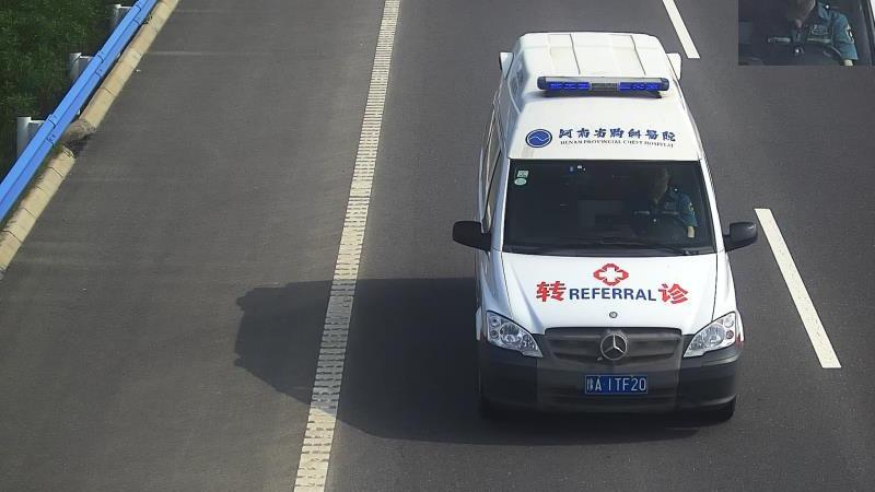 19台救护车司机因为不系安全带被集中曝光