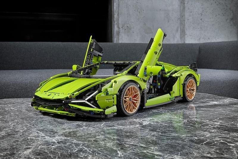 LEGO Technic 推出 Lamborghini 最新混能超跑 Sian 的积木模型