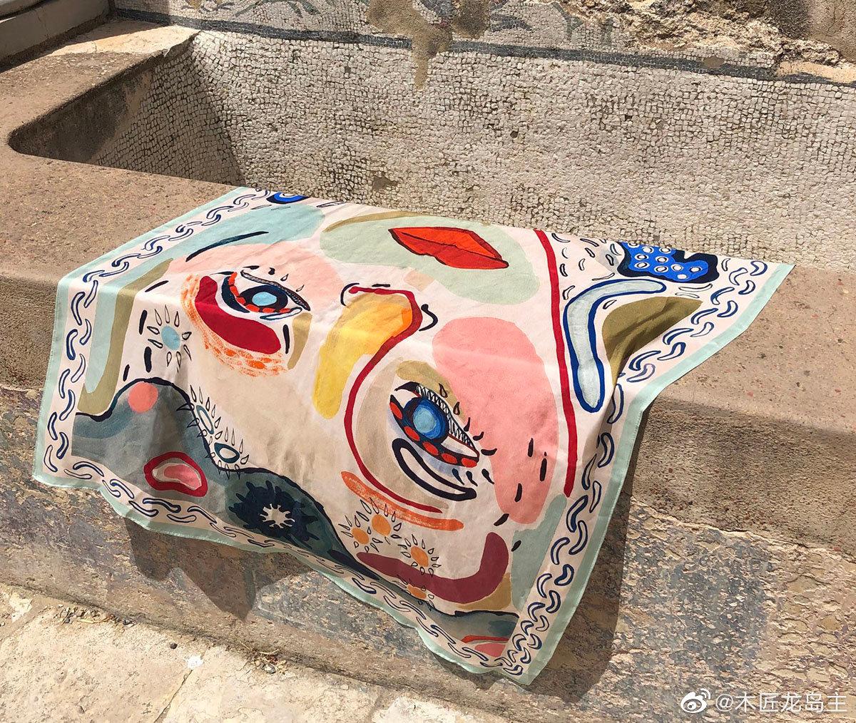 Gabriella Picone今年转到全职工作室从事陶瓷,绘画和纺织品研究
