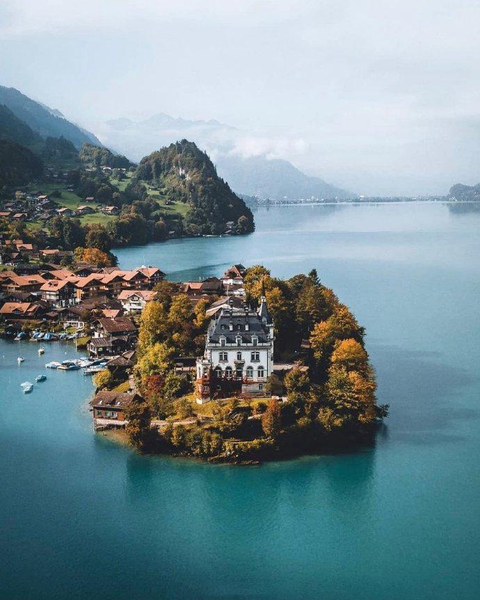 瑞士最纯净的湖泊--布里恩茨湖畔,拥有绝美风光的恬静村落。
