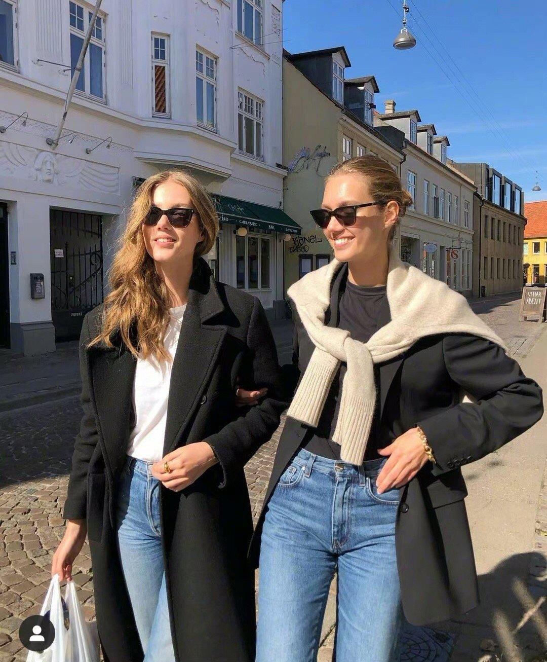 丹麦双胞胎时装模特 Amalie & Cecilie舒适惬意的穿搭日常
