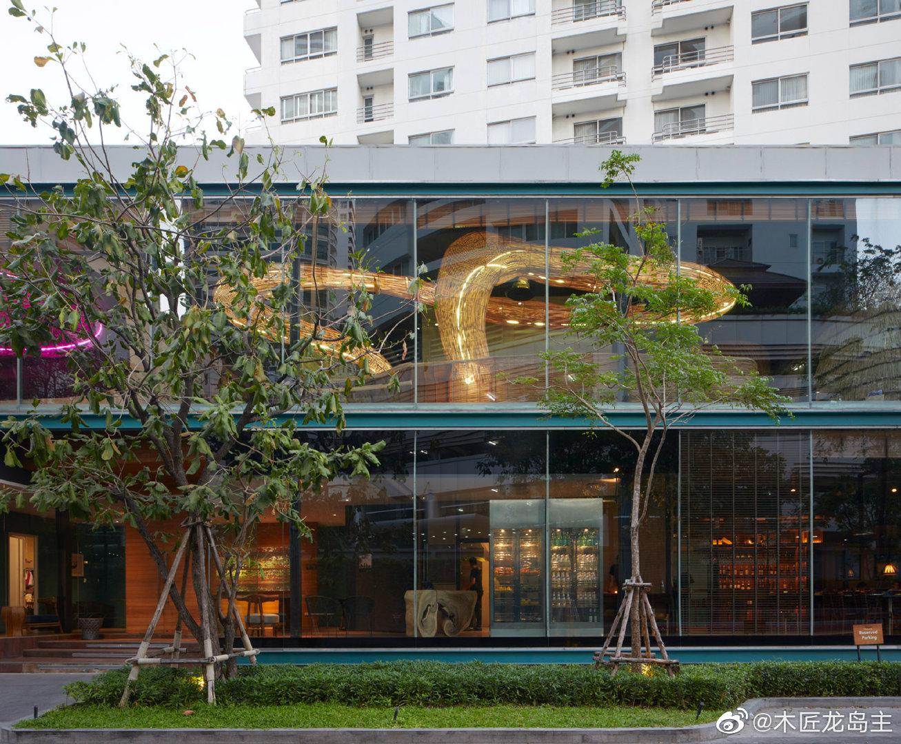 """藤条瑜伽馆为曼谷的工作室创造了""""迷人的宁静空间""""  泰国建筑工作"""