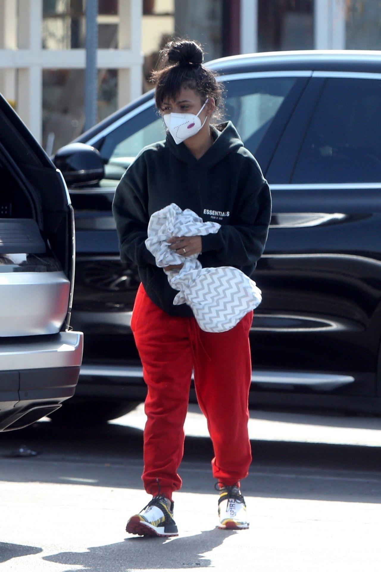 克里斯蒂娜·米莲(Christina Milian)-在洛杉矶购物04/04/2020