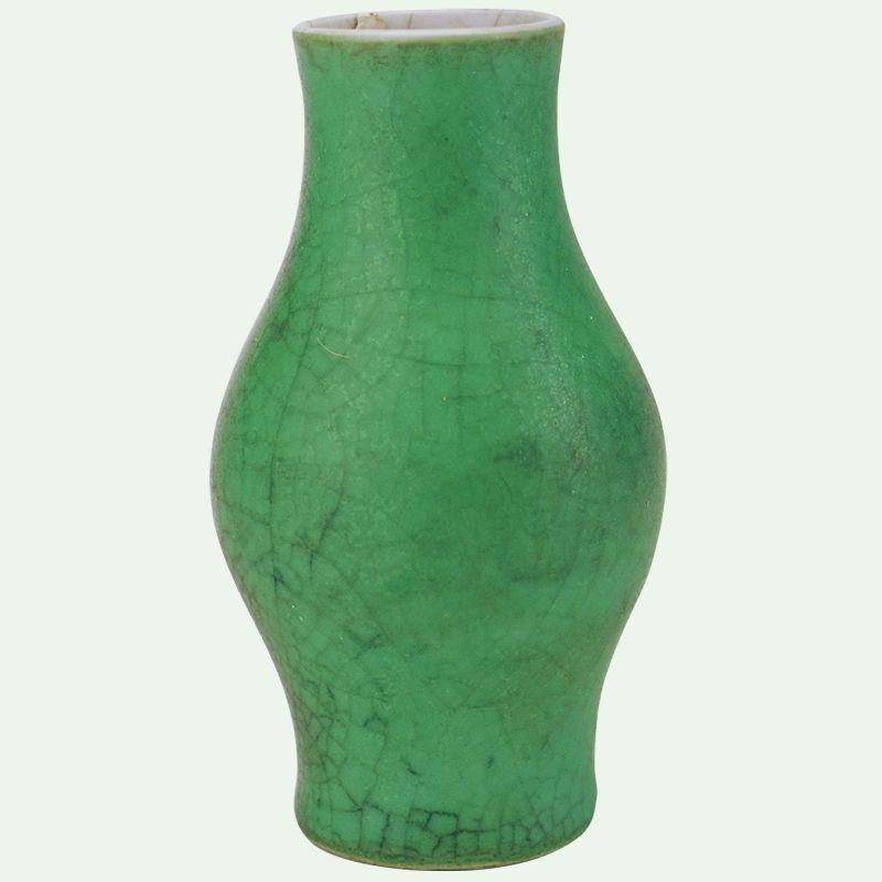 最夏天的绿釉瓷器