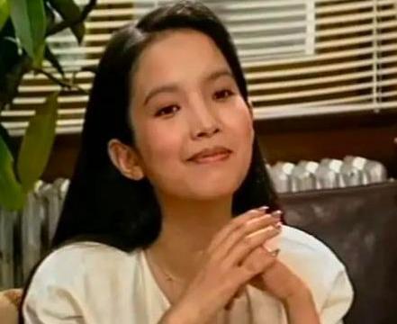 """60岁""""老戏骨""""吕丽萍,三婚嫁给演技派孙海英,恩爱20年无绯闻"""