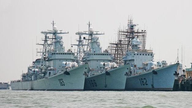 最后的051型驱逐舰即将退役,这款老舰伴随人民海军近五十载