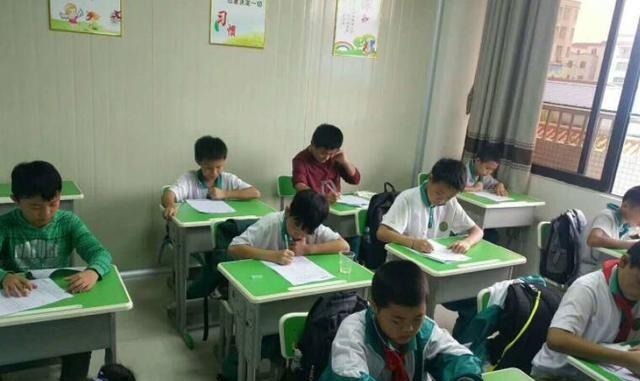 10月1日起,学科类辅导班可能全面取消,家长们一时不愿接受事实