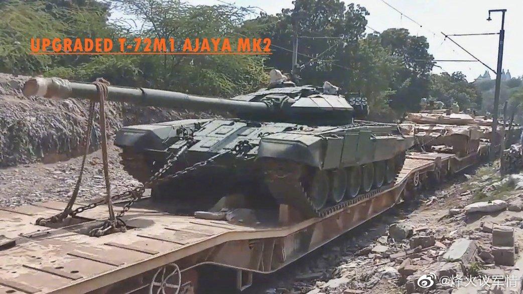 拉上边境地区的印度陆军T-72M1 MK2改进型坦克
