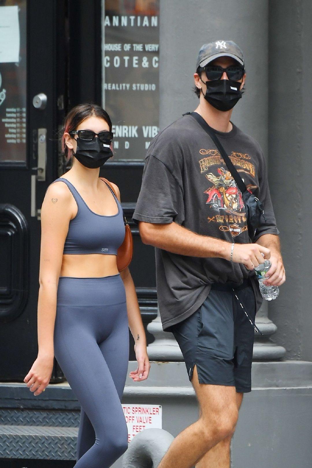凯雅·杰柏(Kaia Gerber)和雅各布·艾洛蒂(Jacob Elordi)-前往纽约健身