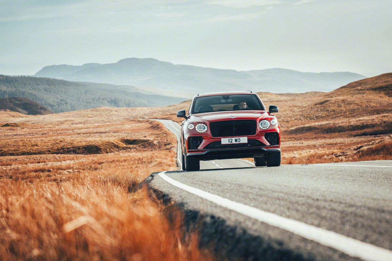 宾利添越S,新车将于10月29日首次亮相中国市场