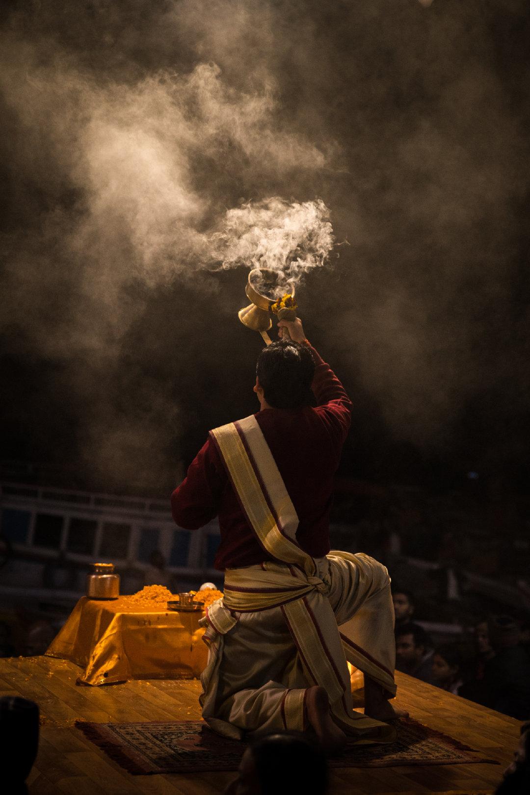 瓦拉纳希是印度最古老的圣城,也是信徒在恒河获得救赎的归属