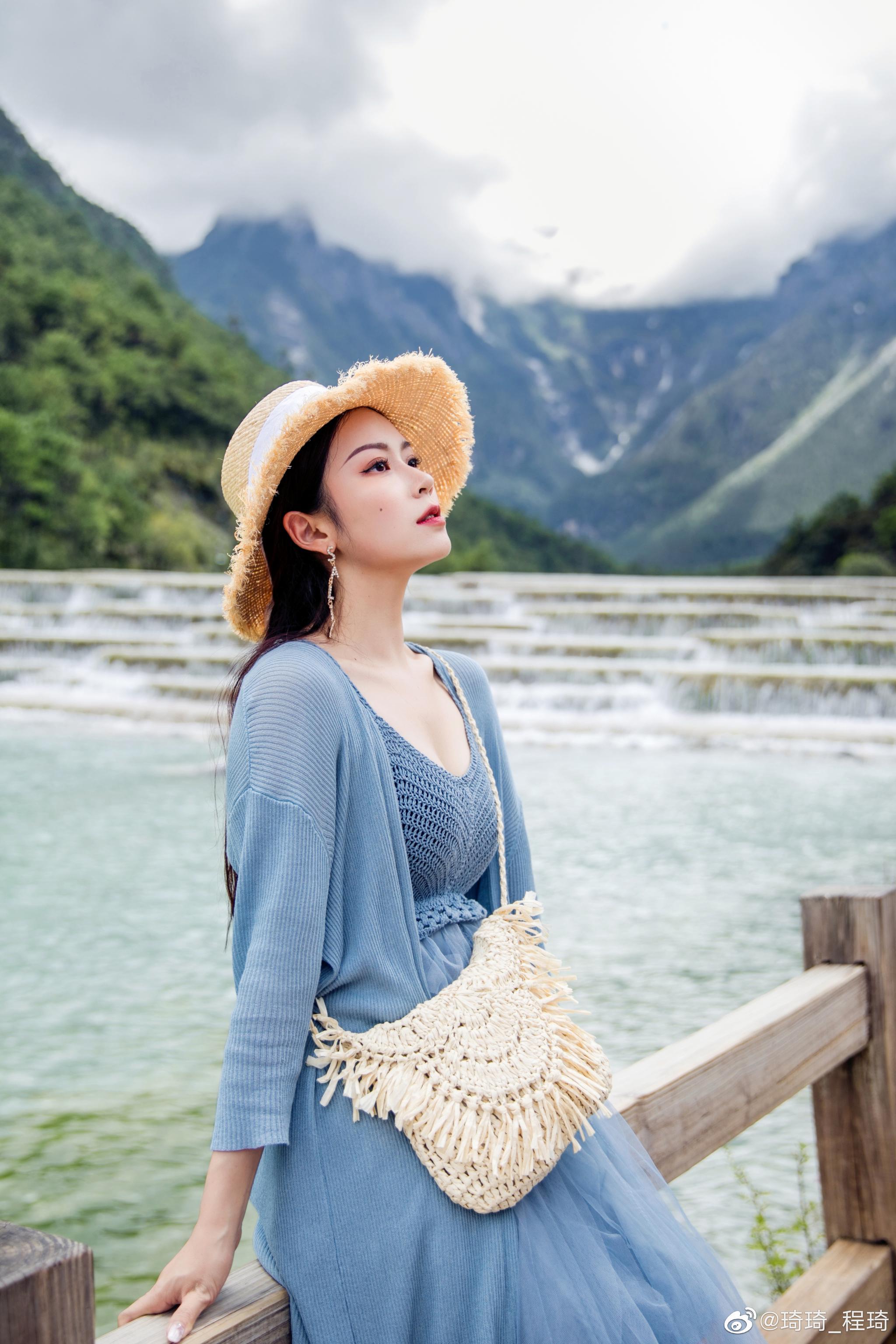 在蓝月谷,蓝色的我~每次出去旅游前做好路线规划后
