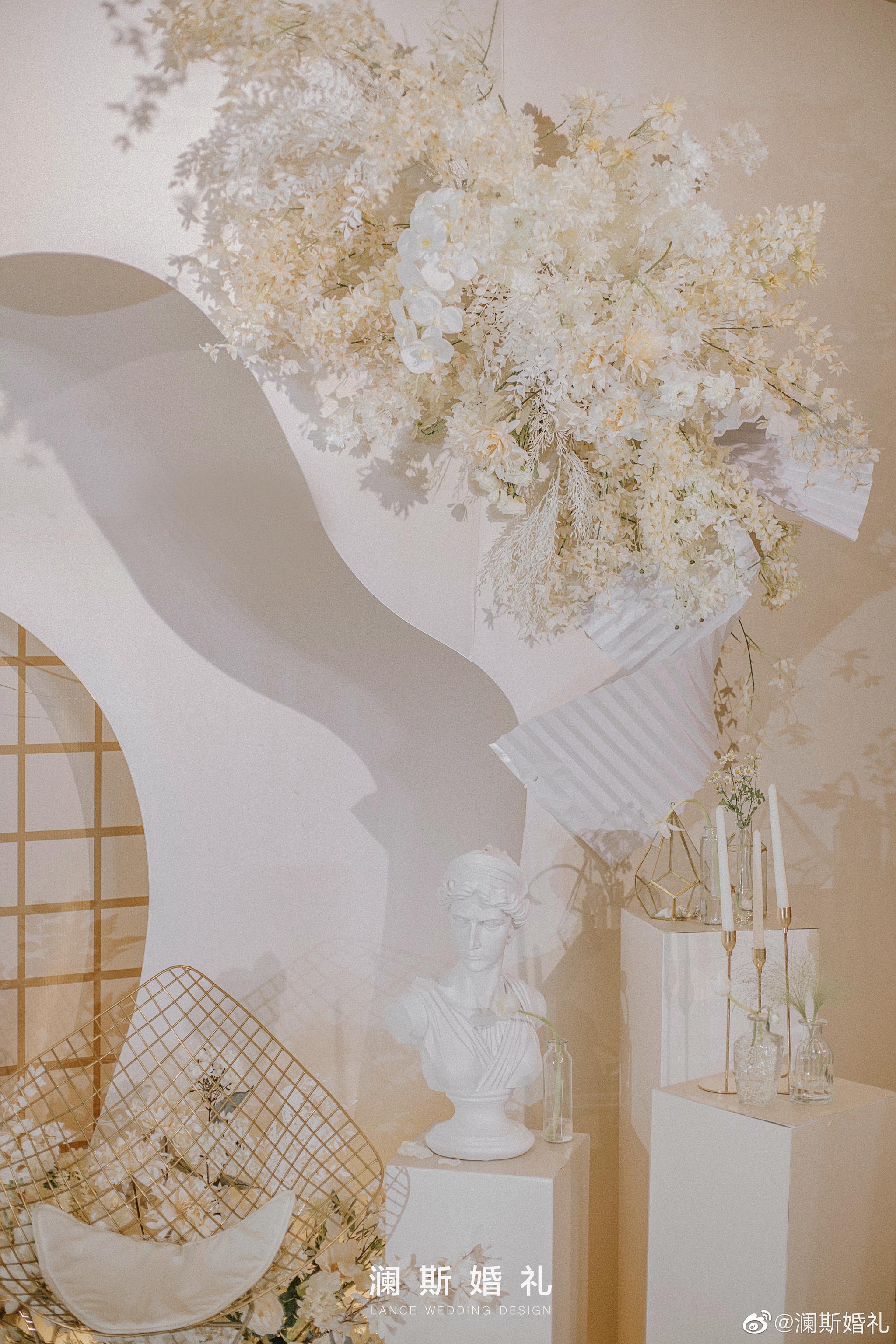 一场香槟色婚礼,自带高光的柔和滤镜