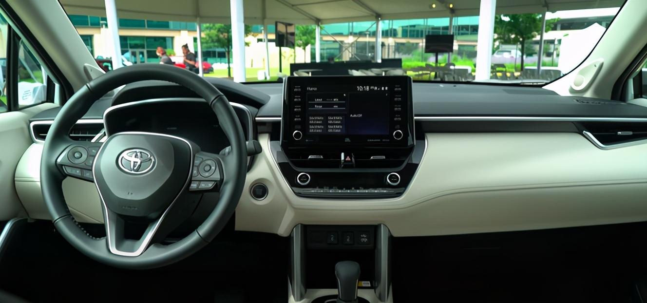 卡罗拉CROSS实车发布!这才是丰田对标缤智的杀手锏