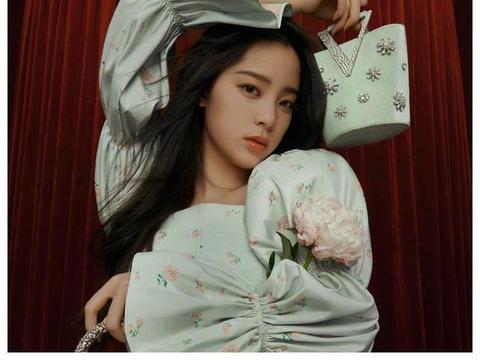 欧阳妮妮首演女主被嘲貌丑,拍戏挤不出一滴泪,导演直言后悔了?