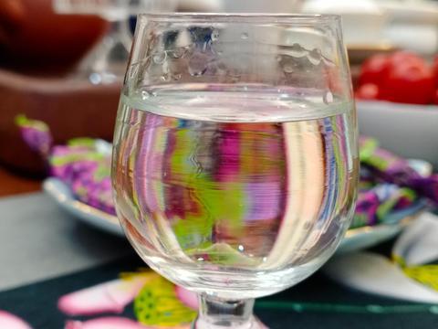 年夜饭群聊喝酒,从黄酒扯到清酒,想不到威士忌要用玉米糖浆勾兑
