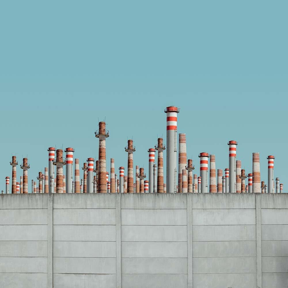 斯洛伐克摄影师Michal Zahornacký着眼于建筑的对称性和重复性