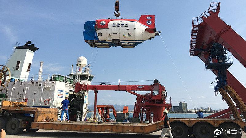 向万米进发:中国载人深潜器再获新突破,跃居全球领先地位