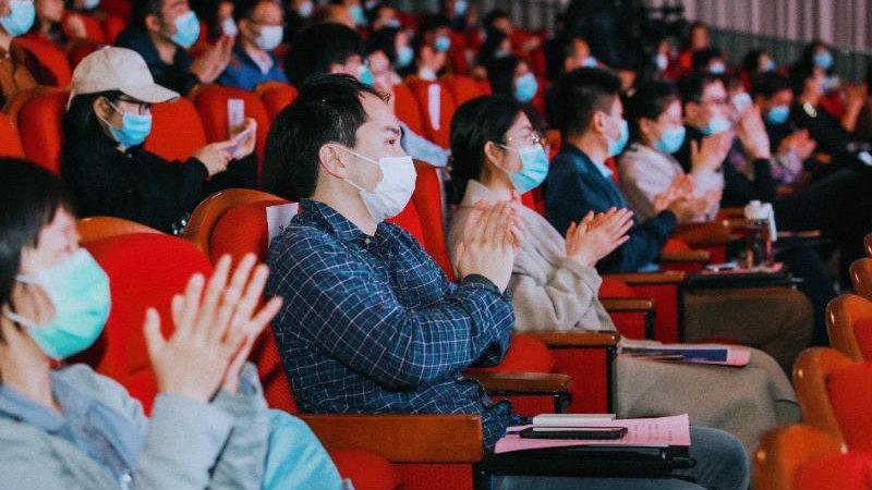 """第三届""""TELL+JAPAN""""舞台式演讲活动在上海交通大学举行"""